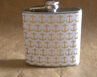 White with Gold Anchors Print Stainless Steel 6 ounce Gift Flask KR2D 7840