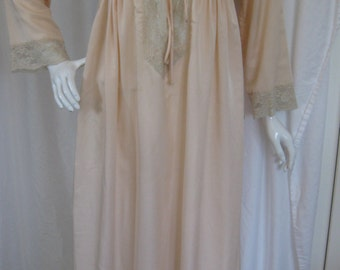 """Vintage 1970s """"Iris Lingerie from Neiman Marcus"""" Peach Nightgown, Size Small"""