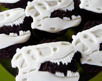 12 Fondant Dinosaur cupcake/cake decoration (EDIBLE)