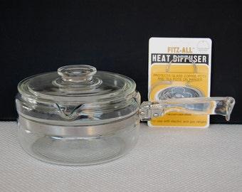 Vintage Pyrex Flameware Covered 1 1/2 Quart Saucepan with Pour Spout  Pyrex 6323 with Optional Heat Diffusers