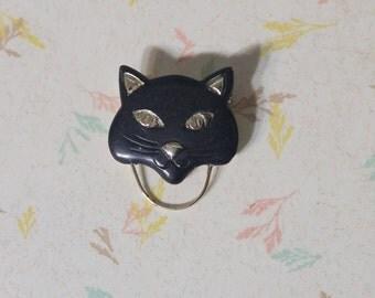 Vintage Cat Eyeglass Holder Brooch Eyeglasses