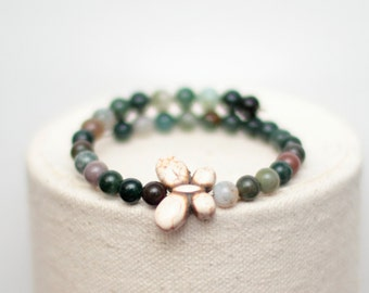 Butterfly Memory Wire Bracelet - Wrap Bracelet - Natural Stone Healing - India Agate and Howlite Beads - Gift for Her Greenery