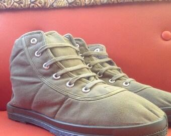 SALE Vintage Deadstock Vegan Canvas Boots Shoes Size 7