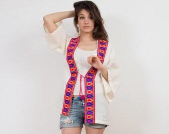 Kimono Boho Style. White Cotton Kimono with indian ribbon and pompons. Natural fabric.