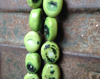 CHUNKY! Round Oval Nuggets of Green Dyed MAGNESITE HOWLITE With Black Brown Veins Full Strand Beads Stone.. So Fun!