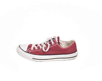 Converse sneakers unisex red maroon - size 9 womens or 7 mens