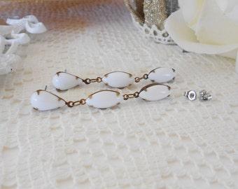 Art Deco Earrings, White Dangle Earrings, White Bridal Earrings, Retro Glam, Long Dangle Earrings, Vintage Glass Earrings, White Wedding