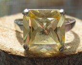 Vintage Sterling Silver Women's Ring with Citrine Lab Created Stone Size 9 Square Cut