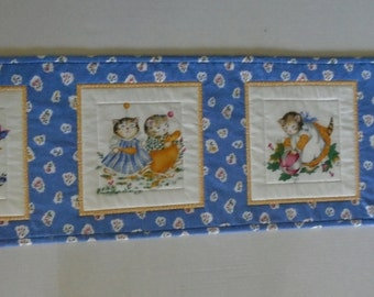 Quilted Table Runner with Kitties, Kitty Quilted Table Topper, Kitty Dresser Scarf, Retro Vintage Table Runner, Table Quilt, Cat Lover Quilt