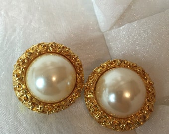 Vintage Decadent Gold & Pearl Clip On 70's Earrings