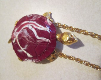CELEBRITY swirled CHERRY red matted gold tone 3D TURTLE pendant necklace