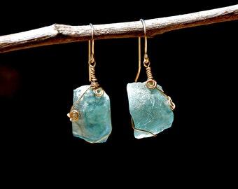 Curved Roman Glass Gold Filled Earrings. Roman Glass Earrings. Aquamarine Earrings. Roman Glass Jewelry. Boucles D'oreilles verre Romain