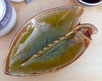 Vintage Brown and Green Leaf Pottery Ashtray / 1950s Atomic Mid Century / MCM Decor / Apple Pear Ash Tray / Cal Style 2716 USA