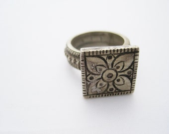Berber Tribal Square Flower Ring, from North Africa, Size 8, Amazigh Jewelry