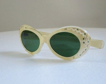 Vintage Eyewear Sunglasses, 50s Bakelite Sunglasses,  Cream Marbled Hard Plastic Jeweled Frame,  Kitsch Retro Eyewear Shades