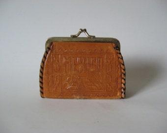 Great vintage tooled leather wallet kisslock change purse Mexico eagle snake motif