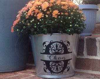Custom Personalized Galvanized Metal Bucket, Flower Pot, Flower Bucket, Monogrammed, Galvanized Pail, Vinyl Decal, Seasonal Porch Decoration