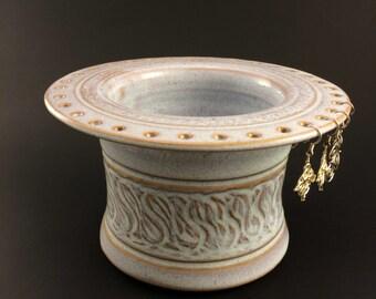 Stoneware earring vase (04-102)