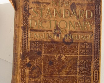 Antique Dictionary, Illustrated Book, Funk & Wagnalls, 1913 Dictionary of the English Language