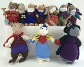Snow White and the seven Dwarves: Knitted toy mice