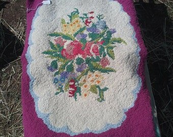 Vintage American Thread Company floral  hooked rug pattern no. 651 raspberry border