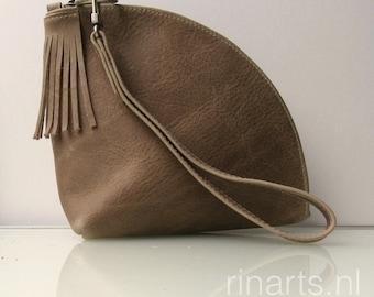 Leather Q-bag clutch / leather zipper pouch / leather bag organizer / leather wristlet / triangle bag in dark beige/dark sand leather