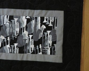 Jazz Black and White Table Runner