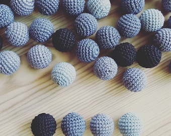 20 wooden round crochet beads balls for jewelry necklase making 2 cm cotton nature friendly - gray silver black