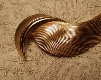 CHIC Brushed & Polished Goldtone Pin by Crown Trifari VINTAGE