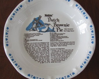 Vintage 80's Watkins Dutch Brownie Pie with Cinnamon Hot Fudge Sauce Bakeware Pie Plate - Serving - Entertaining - Baking - Kitchen - Pastry