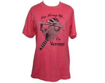 80's Racoon T-shirt Vermont Tourist Shirt Pink Size Medium 1985