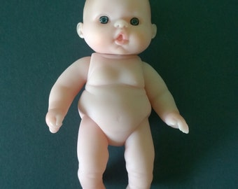 "5"" Lots To Love Doll with Pursed Lips/Blue Eyes"
