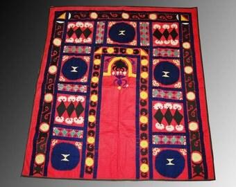 uzbek silk hand embroidered suzani samarkand  PRAYER MAT    home wall decor embroidered