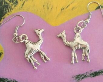 CAMEL Earrings..silver. antique silver charm. animal earrings. safari. retro. kitsch. boho. metal. urban. hipster. hippie. indie. handmade