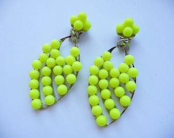 Neon earrings, Neon statement earrings, Neon, yellow earrings, leaf earrings, leaves earrings, neon leaf, earrings, statement earrings, clip