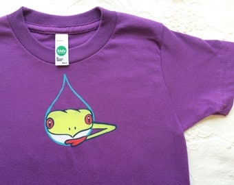 Tree frog on childrens t -shirt /Hand Painted on Organic cotton/ washable