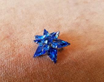 Vintage Weiss Co. star flower brooch blue glass