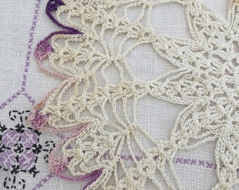 VINTAGE Embroidered Linen Dresser Scarf AND Crochet DOILY - 2 Pieces