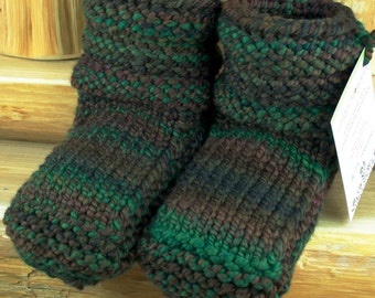 Fundy Trails Hand Spun/Hand Dyed/Knit Sheepskin Soled Booties 18-24 Months
