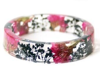 Bracelet - Jewelry with Real Flowers- Dried Flowers- Black Bracelet - Pink Dried Flowers- Black Bracelet- Resin Jewelry