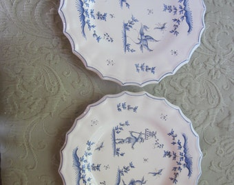 pair of moustiers plates, blue and white, like quimper, plates to hang