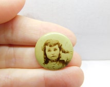 Antique Real Photo Pin Pinback Button of a Victorian Age Little Girl with Curls DR8