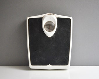 Art Deco Detecto Bathroom Scale
