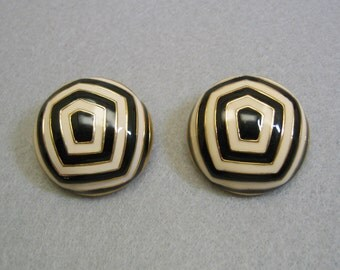 1980s Big Gold Mod Black and White Clip Earrings