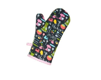 Oven Mitt - Mother's Day - Gift for Mom - Retro Baking on Charcoal with Pink - Gift Under 20 - Gift for Grandma