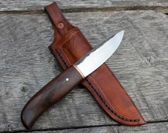 Hand forged knife: 1084/walnut