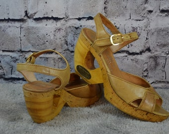 vintage 1970s Fanfares wood leather Brazil sandals heels 6 NARROW