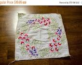 ON SALE Vintage Embroidered Handkerchief, flowering vine motif