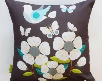 White dove, cushion, Ellen Giggenbach