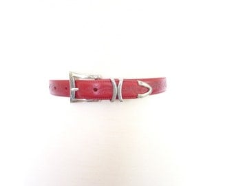 Red Leather Belt. Silver Hardware. Extra Small - Small. Vintage 80s Tooled Skinny Brighton Belt
